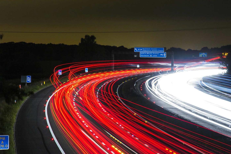 运用深度学习让无人驾驶卡车驶入了快车道